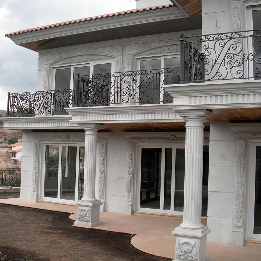Fachada con detalles cantera luxor canteras lerma - Recubrimientos de fachadas de casas ...