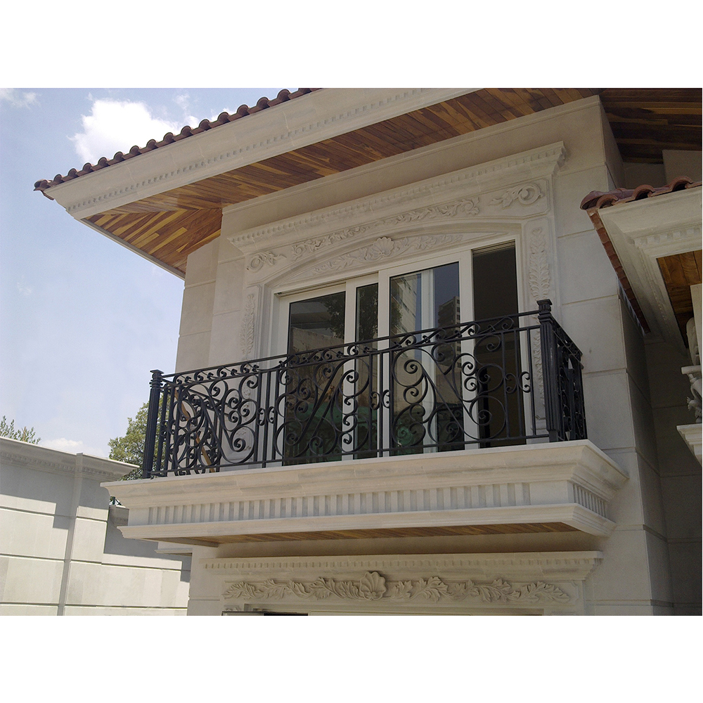 Balcon con cornisa de dentellones moldura y adorno for Molduras para chimeneas